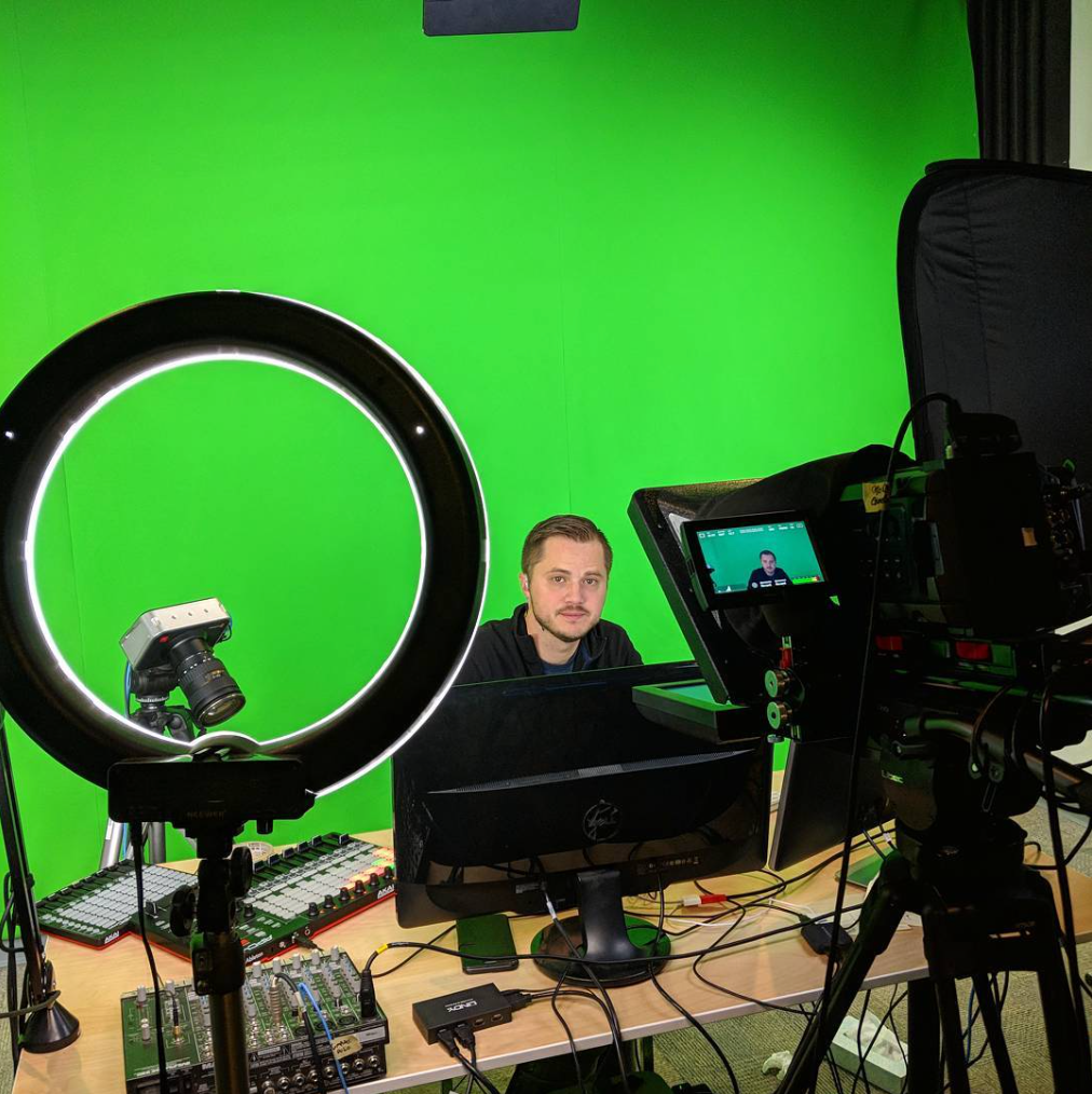 Working with Green Screens – Ideal World vs. Real World